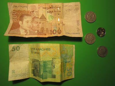 Fotos de monedas y billetes de los dirhams marroquíes
