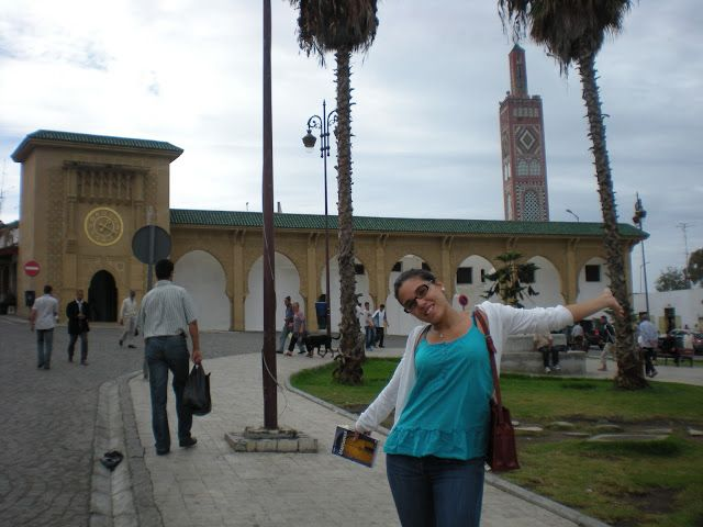 Foto de la plaza y la gran mezquita de Tánger