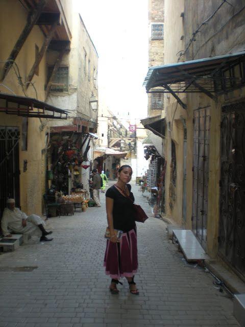 Callejuela en la medina de Fez