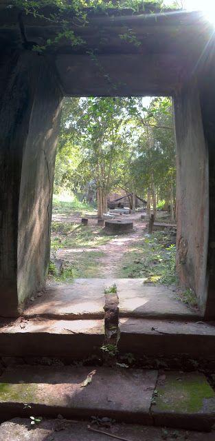 Entrando a los templos de Sambor Prei Kuk en Kompong Thom, Camboya