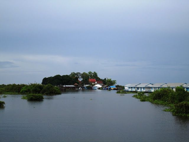 Pueblos flotantes en el lago Tonlé Sap