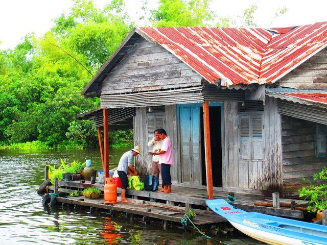 Casa flotante en el lago Tonlé Sap
