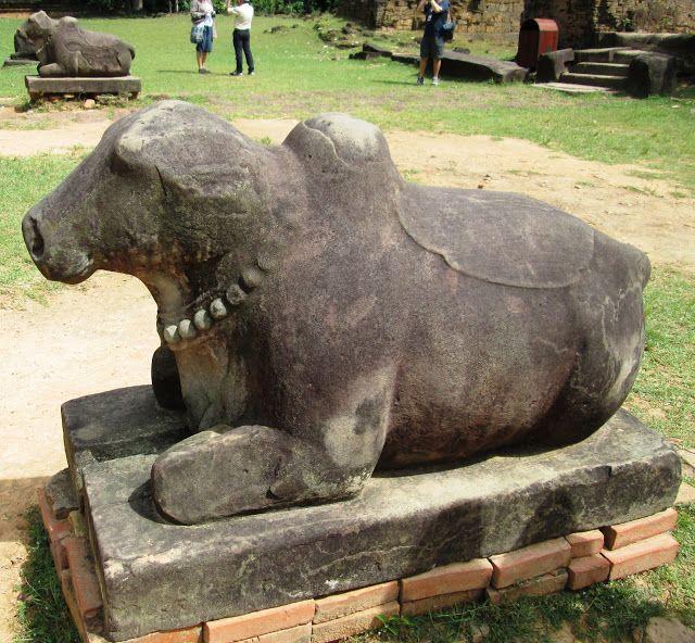 Figura de toro/buey en Preah Ko en Angkor, Camboya
