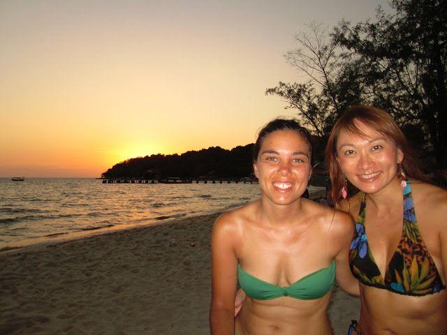 Genny y yo en la playa de Sihaknouville