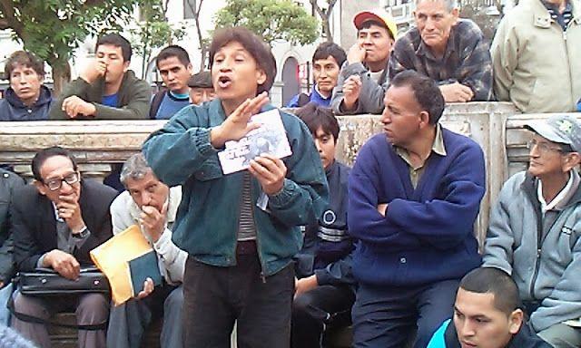 Orador de la plaza de San Martín de Lima