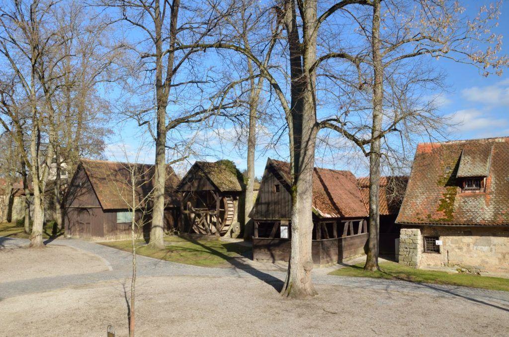 Noria dentro del antiguo hospital de Dinkelsbühl