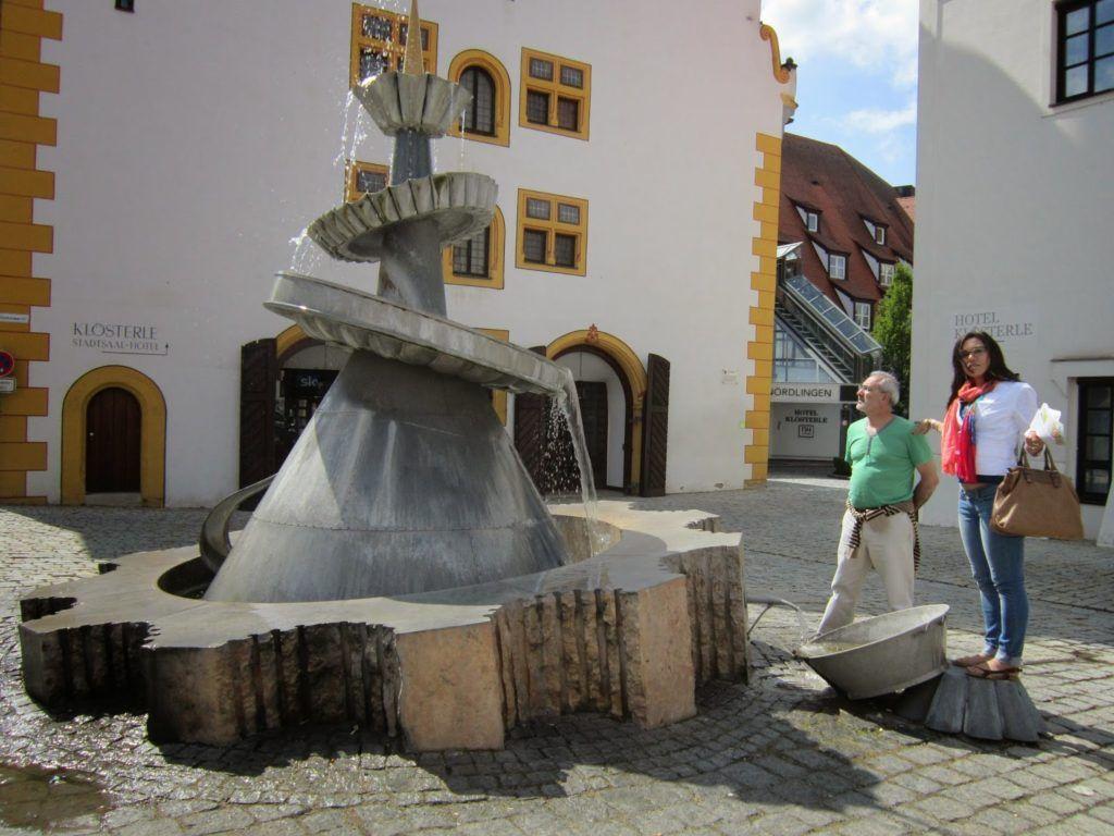 Fuente de la repostería en Nördlingen