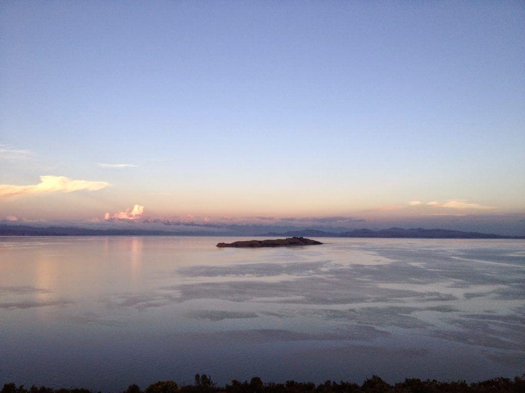 Vista del lago Titicaca desde la Isla del Sol