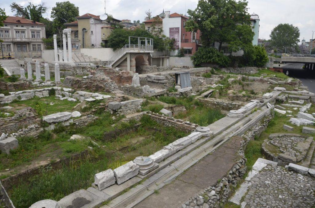 Foro romano con odeón de Plovdiv
