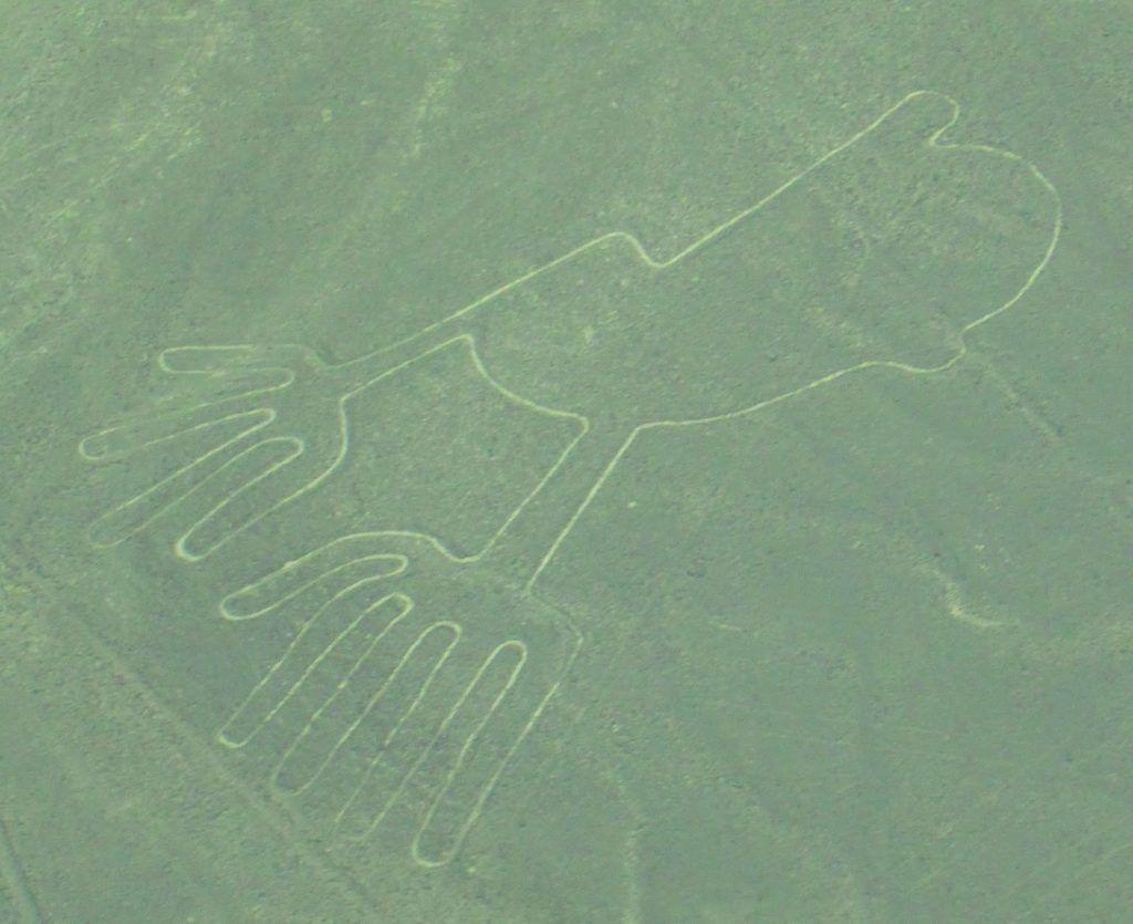 Las manos en las líneas de Nazca