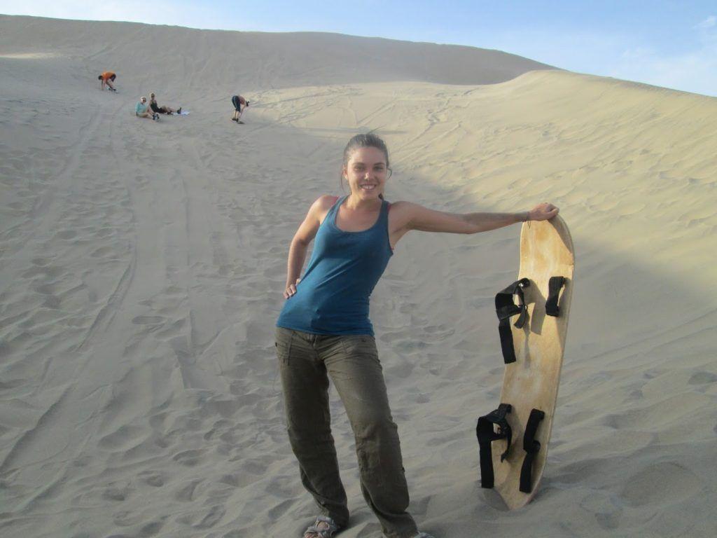 Una pofesional del sandboarding
