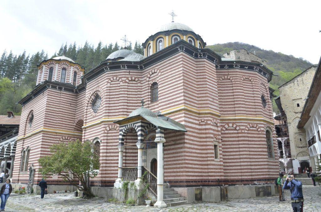Parte de atrás de la iglesia del monasterio de Rila