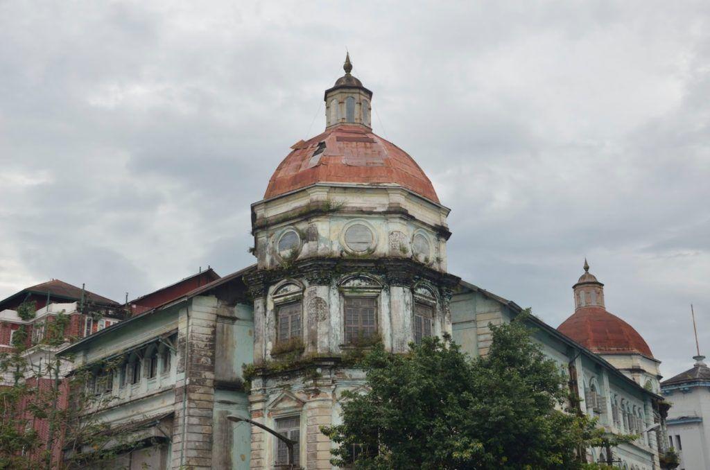 Edificio colonial en Yangón