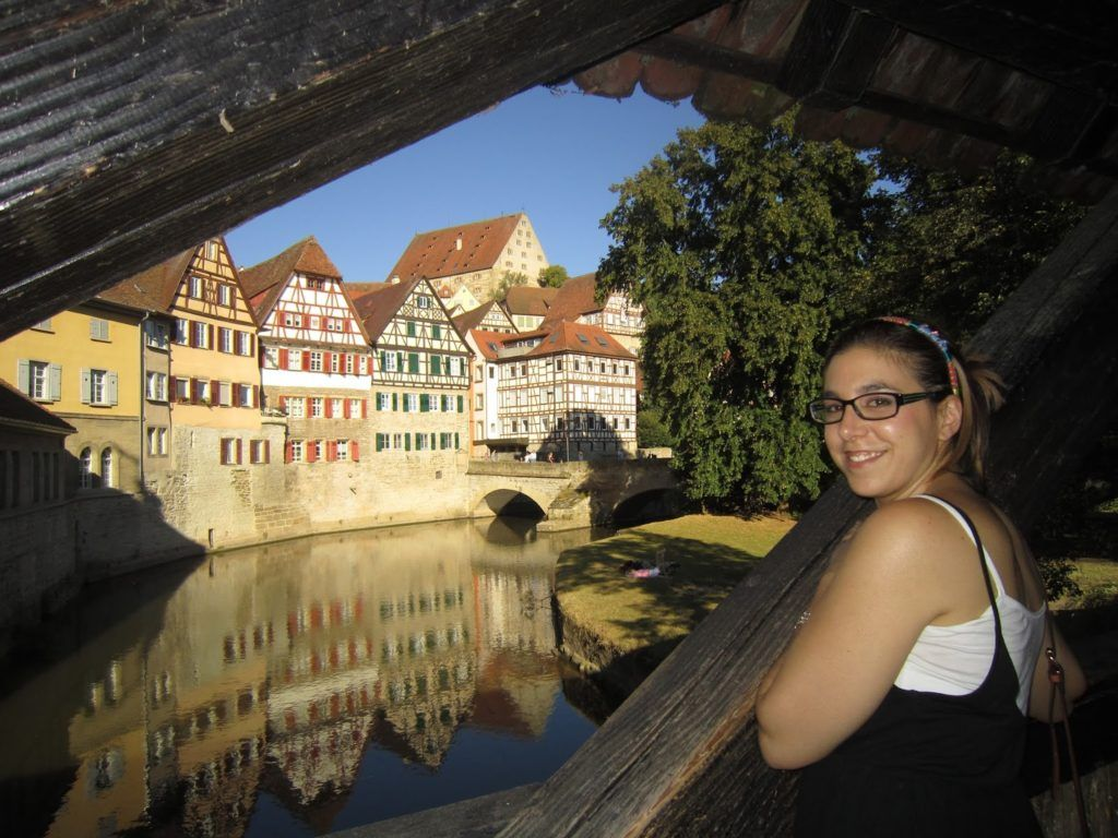 Vista del río de Schwäbisch Hall desde el puente de madera