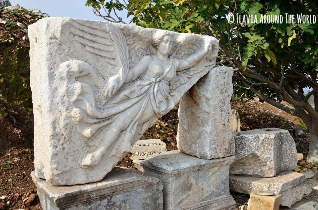 Diosa Nike en Éfeso