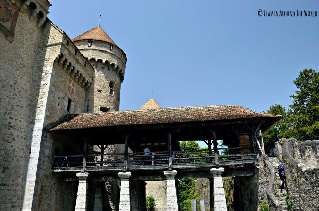 Puente de acceso al castillo de Chillon, Suiza