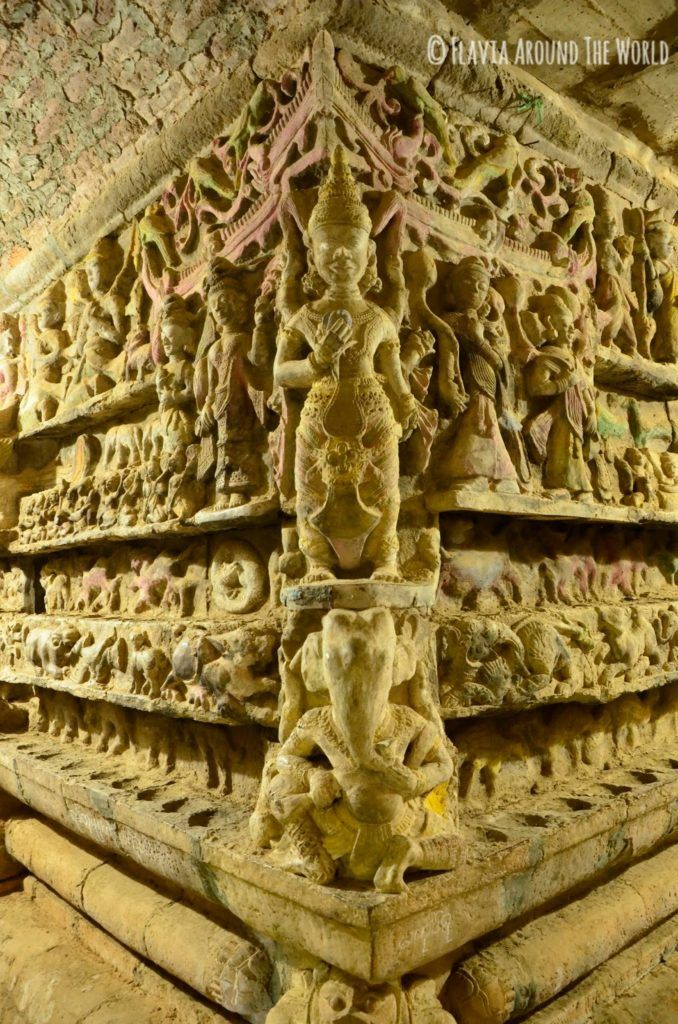 Interior del interior de la estupa de Shitthaung, Mrauk U, Myanmar