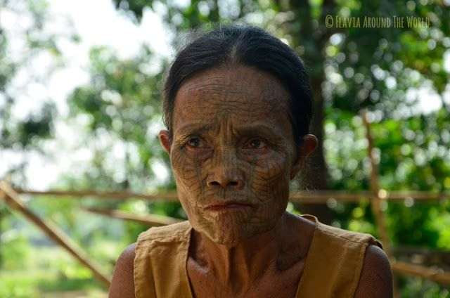 Mujer Chin con la cara tatuada, Myanmar (Birmania)