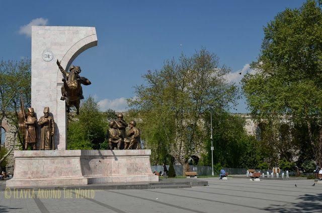 Plaza al lado del acueducto, Estambul