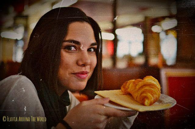 Croissant café du commerce Paris