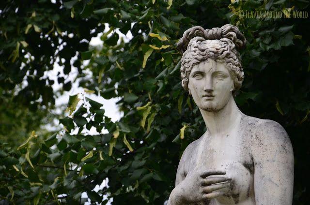 Estatua cerca de la ópera de Stuttgart