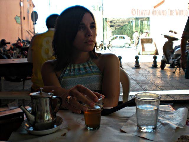 Degustando el té marroquí