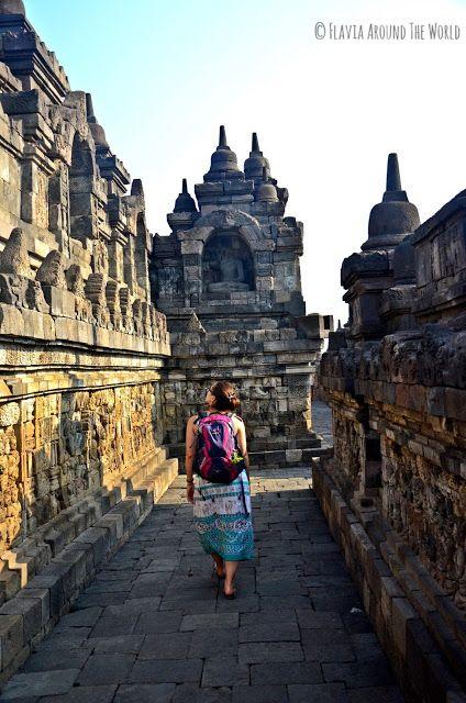 Paseando por el templo