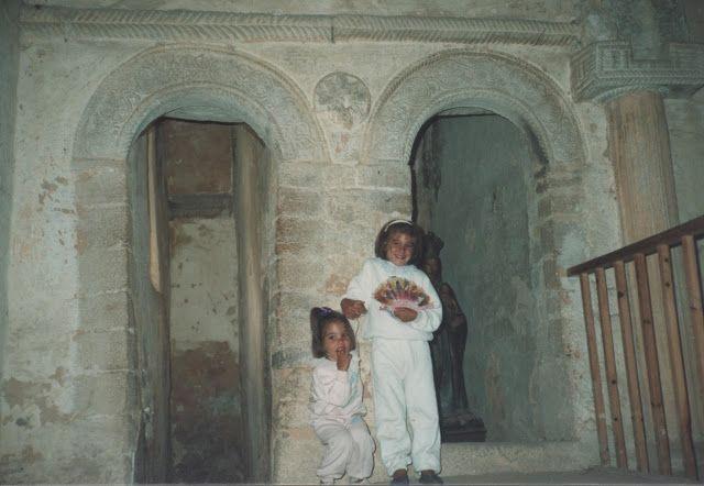 Celia y yo en San Miguel de Lillo, Asturias