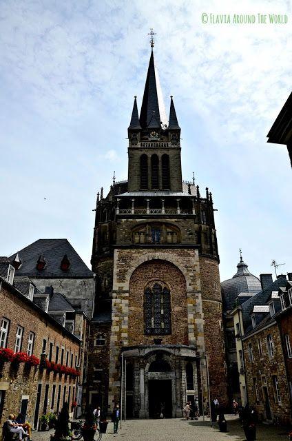 Entrada a la catedral de Aachen