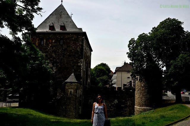 Flavia en la Ponttor de Aachen