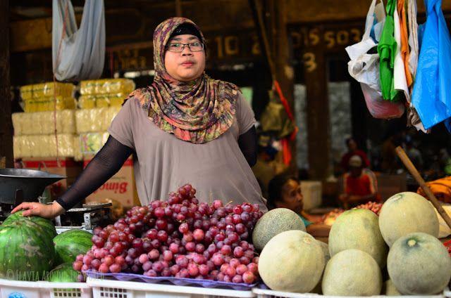 Vendedora de fruta del mercado de Ruteng