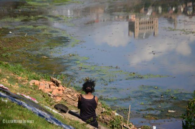 mujer antananrivo lago