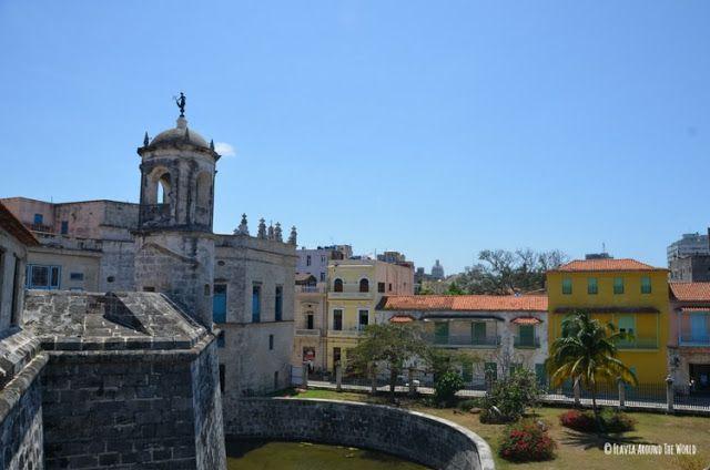 vista desde el castillo de la real fuerza en la plaza de armas de la habana cuba